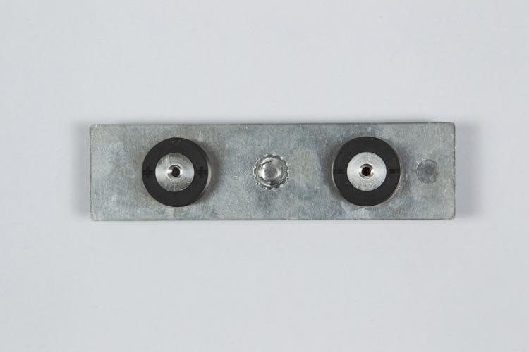 36130铜铝极柱上盖